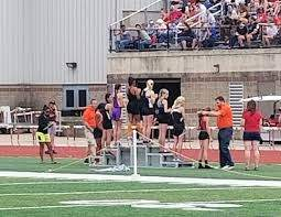 """Mt. Zion JH Track on Twitter: """"Hillary Owens takes 8th place in the 7th  grade 400 M Dash with a time of 1:02.12. #mtzjhtrack #compete  #handleyourlane… https://t.co/6AeKzBP27w"""""""