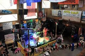 flora bama where you can have a