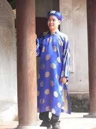 traditional dress of vietnam for men