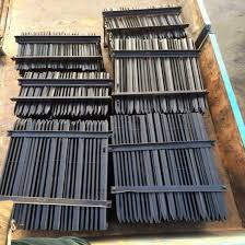 China Fence Post Brackets Wood Fence Posts With Green Paint China T Post Fence Post