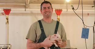 Clayton Johnson to receive Allen D. Leman Science in Practice Award |  National Hog Farmer