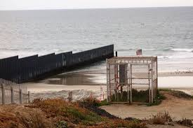 Wall Extends Into The Water Between Us Mexico Picture Of Border Field State Park San Diego Tripadvisor