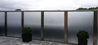 balcony barades and glass privacy