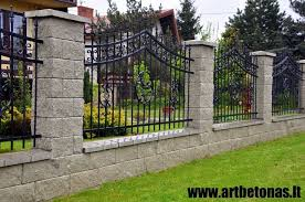 7 Satisfied Tricks Hogwire Fencing Gate Fence Art Couple Backyard Fence With Vi House Fence Design Brick Fence Fence Design