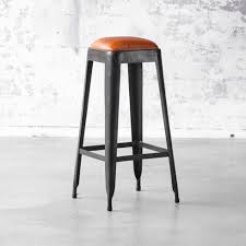 bar stool in iron with brown leather