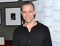 Adam Pascal to Return to Pretty Woman: The Musical | TheaterMania