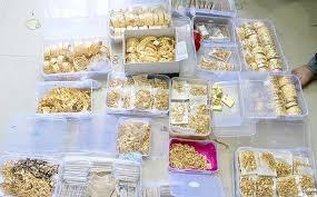runway jeweller held with gold stash