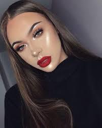 wear red lipstick with dark eye makeup