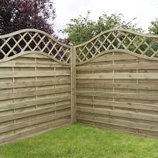 Continental Horizontal Weave Fence Panel With Trellis 1200mm By 8