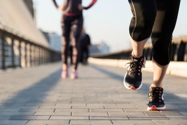 Resultado de imagen de mujer corriendo
