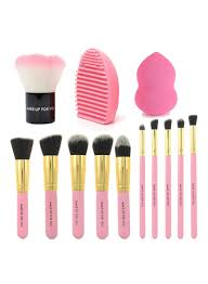 makeup brush set with blush powder