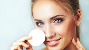 the right way to remove eye makeup by