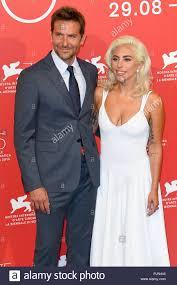 Bradley Cooper e Lady Gaga partecipare è nata una stella photocall durante  il 75° Festival del Cinema di Venezia, Venezia, Italia. Il 31 agosto, 2018  © Paul Treadway Foto stock - Alamy