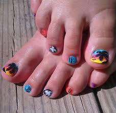 toe nail designs to flaunt pretty nails