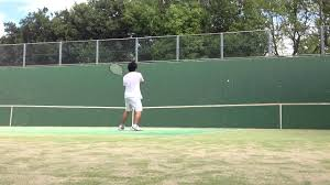 ライバルに差をつけろ!壁打ちでスマッシュなど | テニス映像館へようこそ