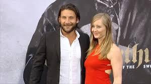 "Zach McGowan and Emily Johnson ""King Arthur: Legend of the Sword"" Premiere  - YouTube"