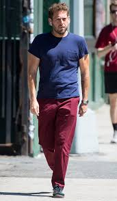 Jonah Hill Walks Through NYC in Muscle ...