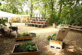 pop up garden springs up in berlin