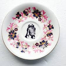 r2d2 from star wars plate retro pink