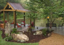 Bend of Ivy Lodge, Marshall, NC - FindTheDivine Retreats Online