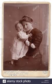Edith Johnson and baby Beryl, 1910, Edith Johnson was born Edith Stock  Photo - Alamy