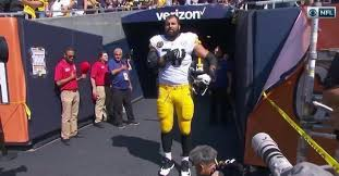 Army vet Alejandro Villanueva the only Steeler to stand for anthem ...