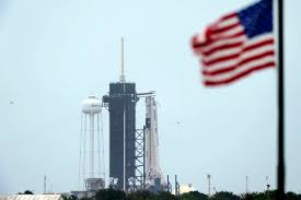 Stormy weather puts damper on SpaceX's ...