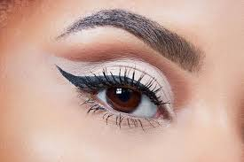 learning the art of applying eye makeup