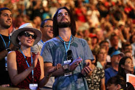 Dannii Minogue and boyfriend Adrian Newman watch the men's final. - Fiona  Hamilton/Tennis Australia | Tennis australia, Dannii minogue, Couple photos