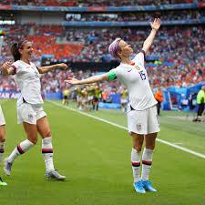 Rapinoe's Confident Pose Captures U.S. Women's Team - WSJ