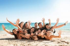 top 25 funny large group photo ideas