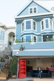 blue house and the french munity