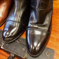 maintaining and shining leather shoes