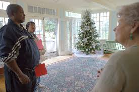 Tourists enjoy holiday decorations at Gertrude Smith House in Mount Airy |  Mt. Airy News