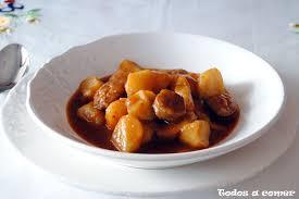 riojana o guiso de patatas con chorizo