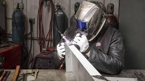 5 best lincoln welding helmets for 2020