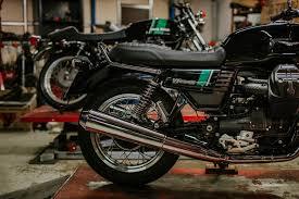 Moto Guzzi V7 III Stone et Special : Notre avis !   4h10   Guzzi v7, Moto  guzzi, Guzzi
