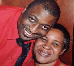 Eric Garner: NY officer in 'I can't breathe' death fired - BBC News
