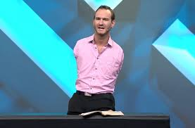 Limbless Evangelist' Nick Vujicic Thanks God After Witnessing ...
