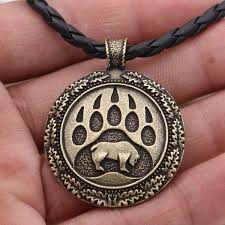 whole bear claw pendant necklace
