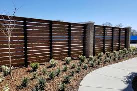 Woodgrain Fence Composite Fence Contractor Bravo Fence Tampa