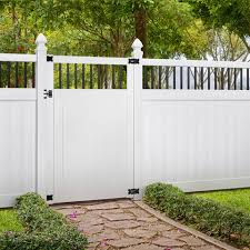Outdoor Essentials Pro Series 6 Ft H X 4 Ft W White Vinyl Flat Top Fence Gate In The Vinyl Fence Gates Department At Lowes Com