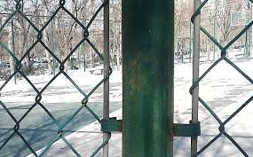 Black Vinyl Or Pvc Coated Chain Link Fence Fabric Gates For School