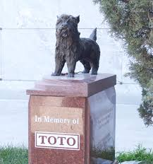 Where is Toto the dog buried? - Fido Universe