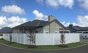 Custom Slat Fencing In Brisbane Horizontal Slat Fencing And Screens In Brisbane Fencing And Gate Centre