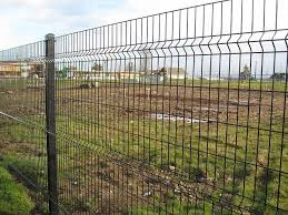The Wire Mesh Panels Are Fabricated In A Pattern Of Horizontal And Vertical Wires Welded At Each Intersection Fo Wire Mesh Fence Mesh Fencing Welded Wire Fence