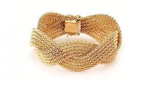 italian gold jewelry glitters in arezzo