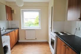 2 bedroom flat to ballantrae
