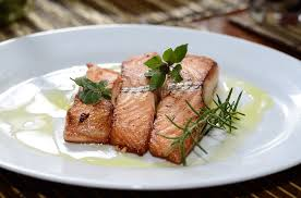 pan fried salmon fillets with