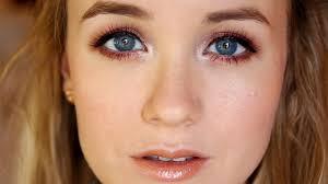 makeup tutorial making blue eyes pop